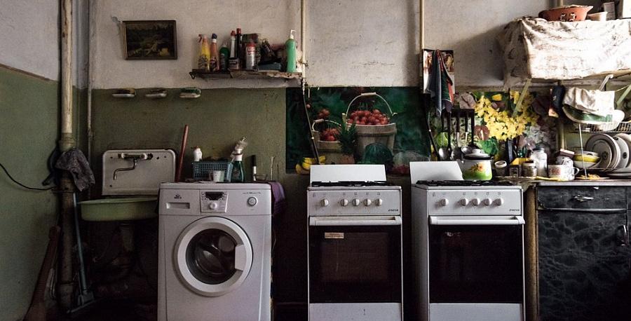 Смольный израсходовал неменее 3 млрд руб. на граждан коммунальных квартиры