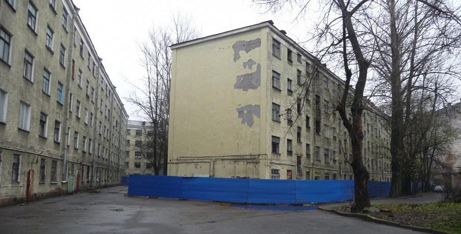 Программа реновации вПетербурге за9 лет выполнена на1% - Милонов