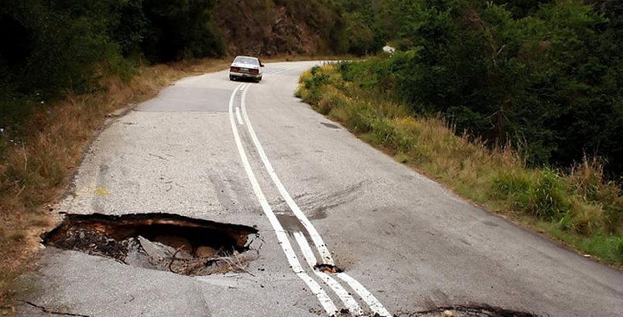 При ремонте исодержании дорог Ленобласти внедряют новые технологии